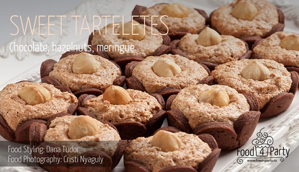 Sweet Tartelettes with Chocolate, Hazelnuts and Meringue